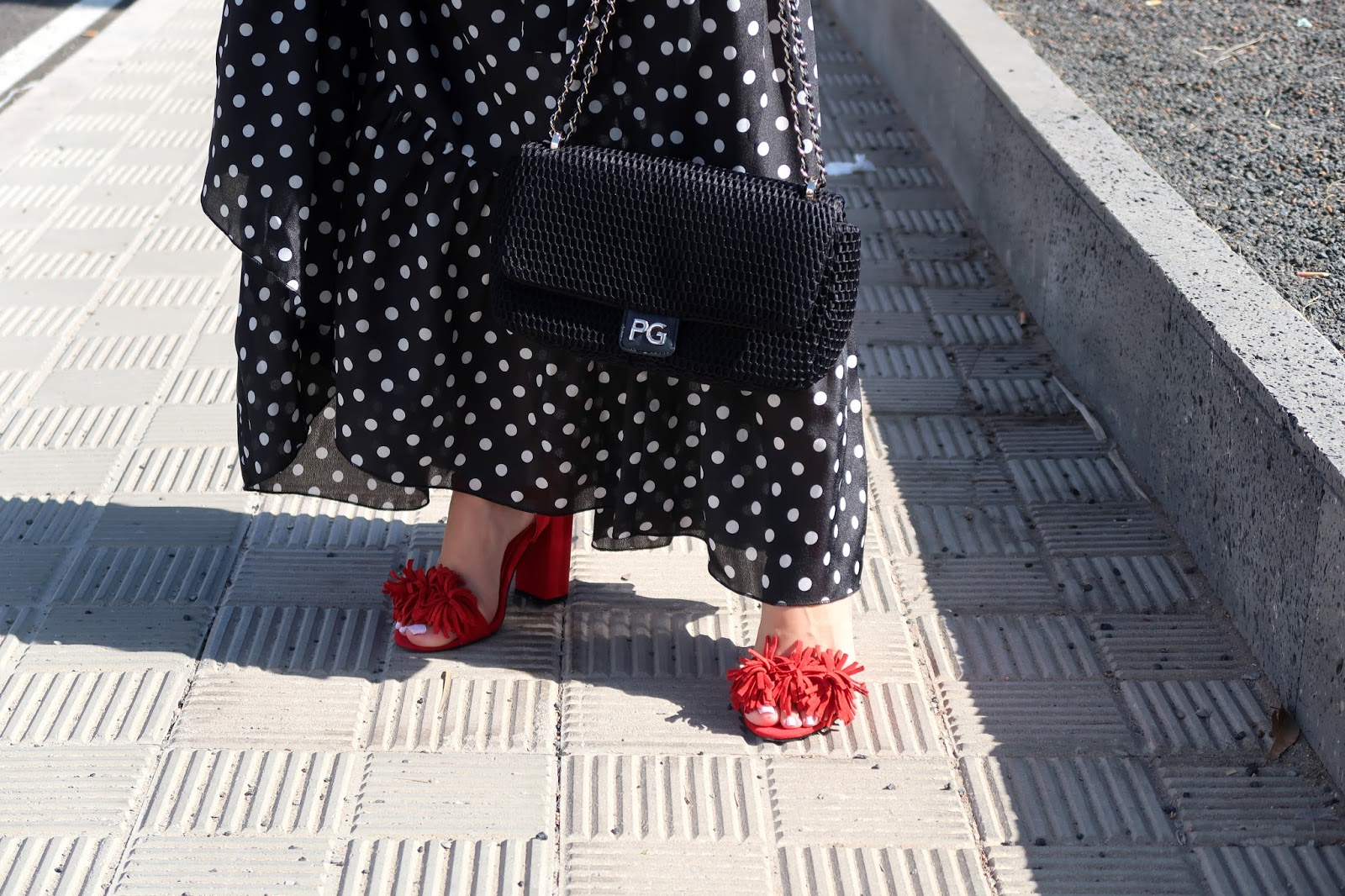 polka-dots-long-dress-red-sandals