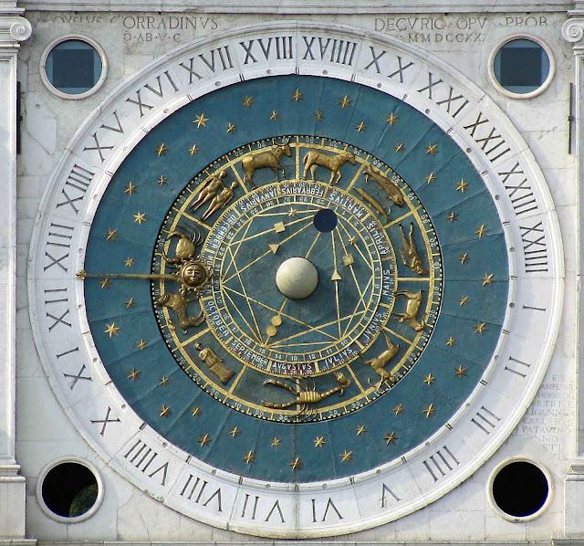 O relógio astronômico da Torre dell'Orologio, Pádua, recentemente restaurado