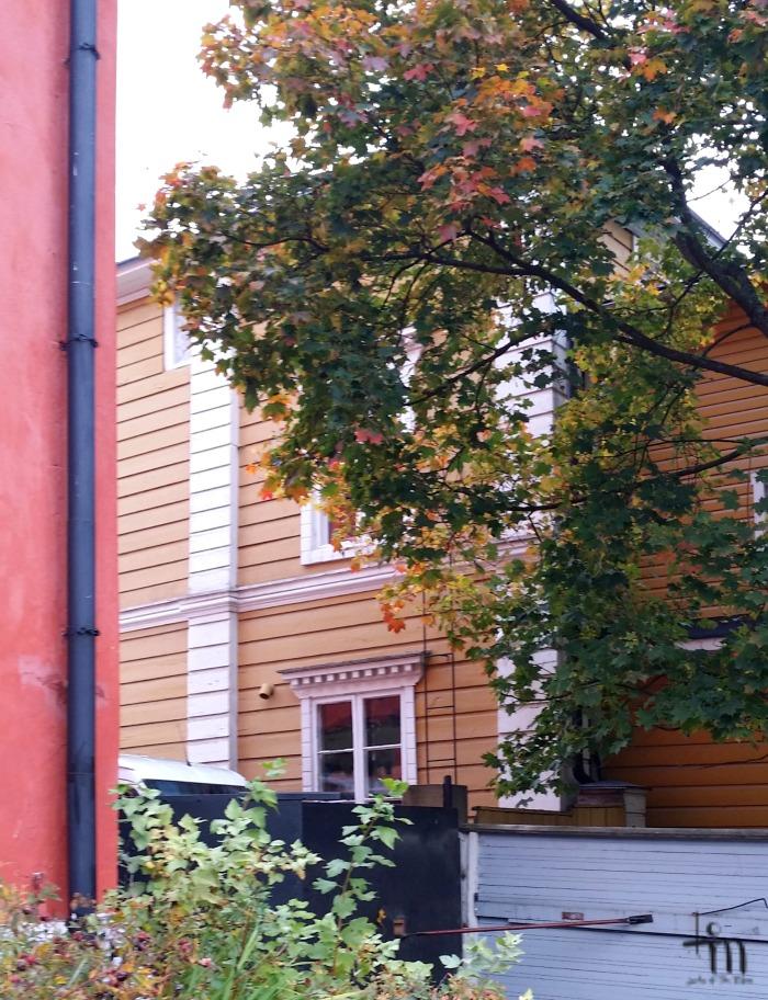 Sisäpihanäkymä Porvoon vanhassa kaupungissa