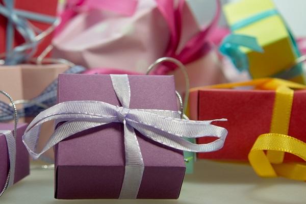 Gợi ý quà tặng 8/3 rẻ và đẹp tặng người yêu