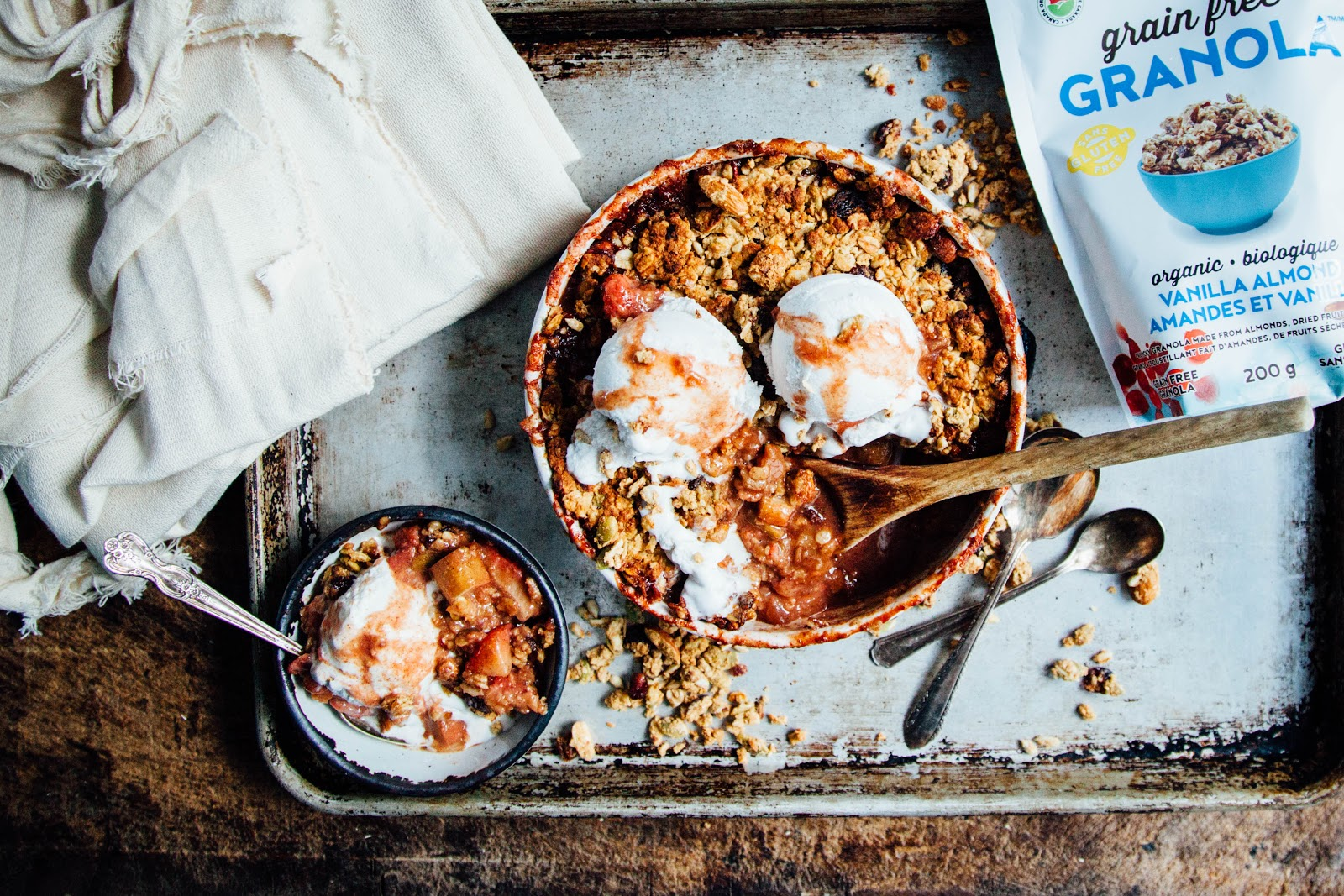 This Rawsome Vegan Life Strawberry Rhubarb Crumble With Almond