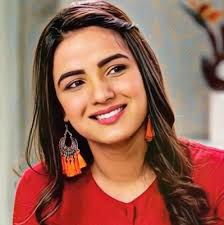Jasmin Bhasin Family Husband Son Daughter Father Mother Age Height Biography Profile Wedding Photos