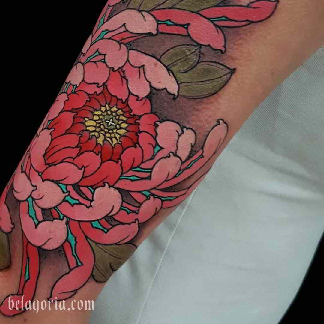 tatuaje de crisantemo