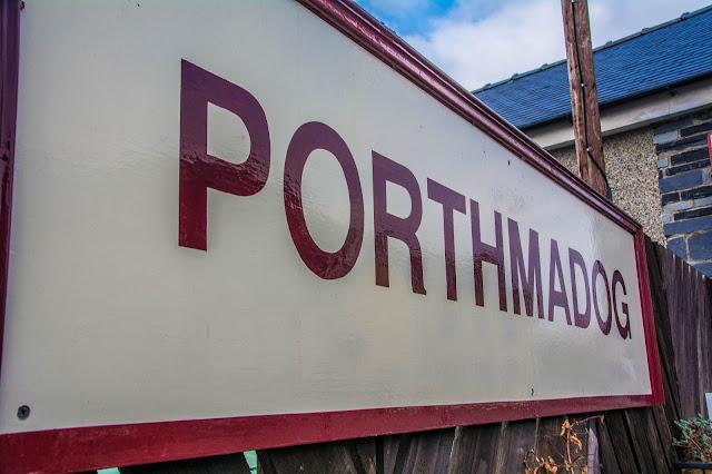 Porthmadog sign