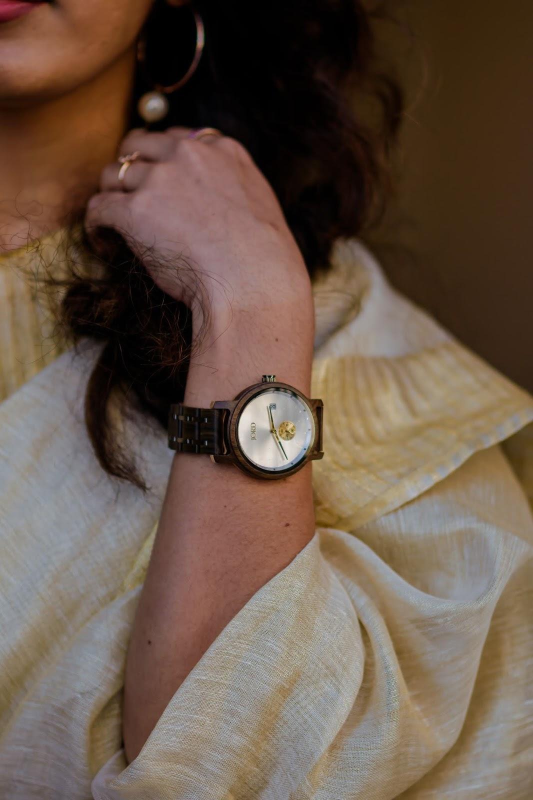 Saree, Aim For Glam, Wardrobe Essentials, Jord Watches, Perls, South Indian Fashion, Indian Fashion Blogger, Gold Tissue Saree, Le Svana, Prasanthi Kadiyala, Vizag Blogger, Hyderabad Fashion Blogger, Denver Blogger