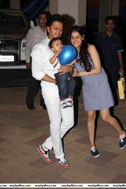 Ritiesh Deshmukh Genelia DSouza and Riaan arrive for Iqra and Shahraan Dutts birthday bash on October