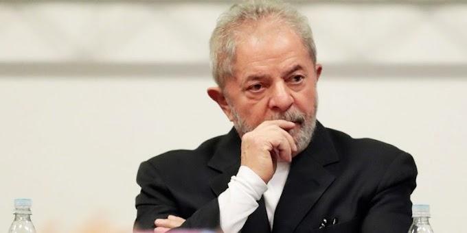 Juiz do DF determina apreensão do passaporte de Lula e proíbe ex-presidente de deixar o país