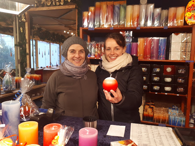 Christmas market candle painting workshop in Freiburg