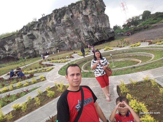 Taman Cisantana wisata kuningan