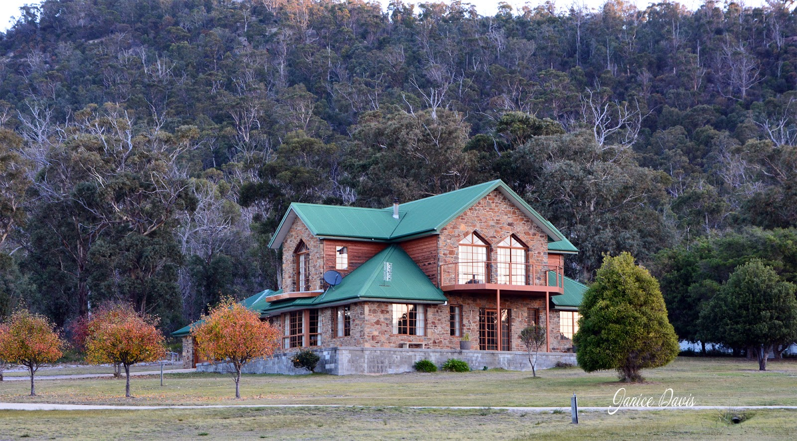 thoughts & happenings: Town houses of Bicheno, Tasmania.