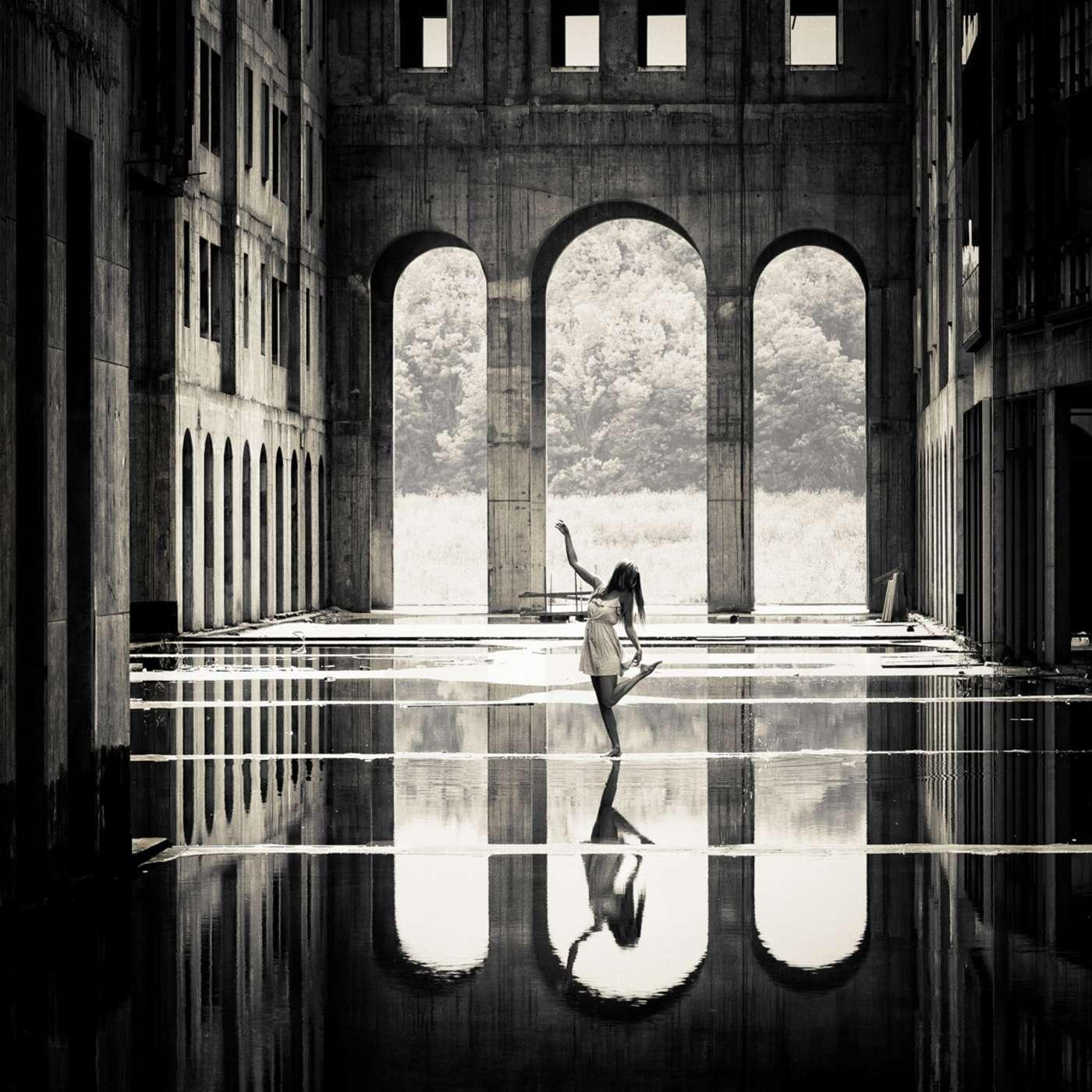 Зеркальный танец I, фотограф Петер Целей