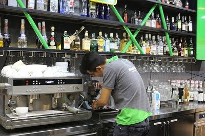 thực hành sử dụng máy pha cafe espresso