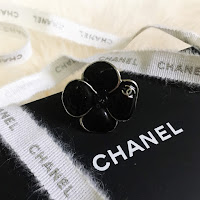 chanel in the business lambskin large jumbo flap bag with shw silver hardware chanel caviar card holder cardholder ghw gold hardware thrifted chanel thrifting cheap chanel chanel ring rings