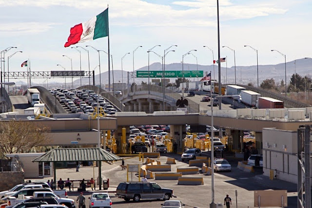 Texas-Mexico border crossing at El Paso