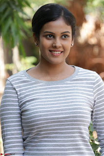 Actress Chandini in ed Tight Top at Ennodu Yilayadu tamil movie press meet ~  56.jpg