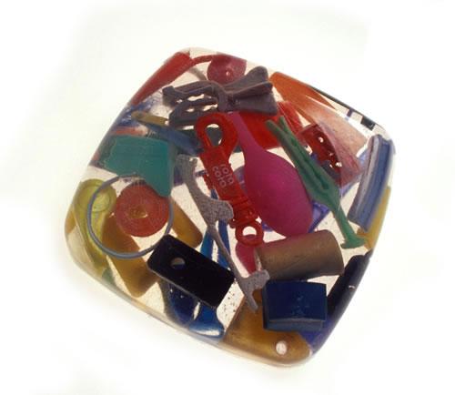 Cosas encapsuladas con resina cristal