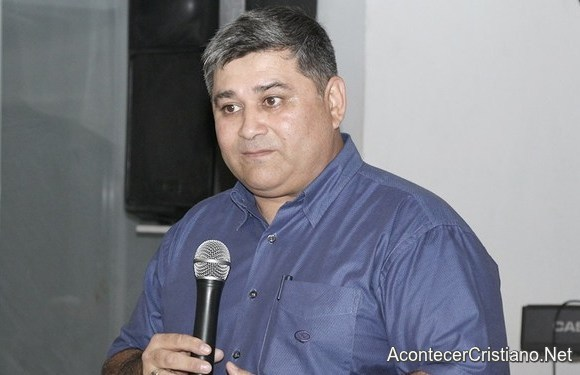 Pastor venezolano Marcelo Coronel