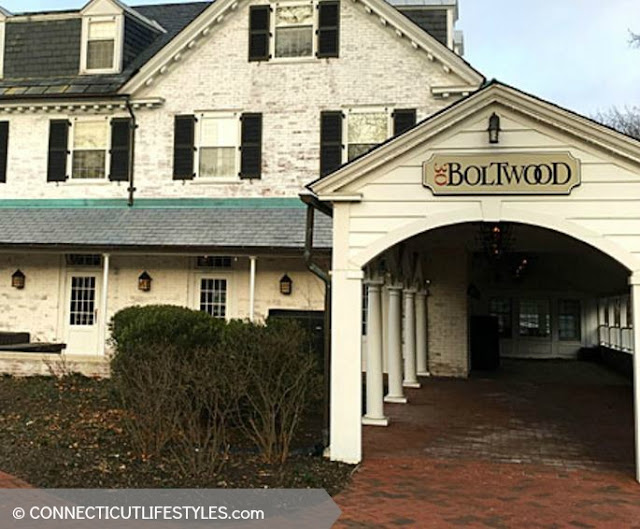 30Boltwood Entrance #OtherSideMA Photo property of CTLifestyles