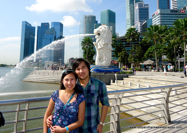 Ed and Lady in Merlion Park