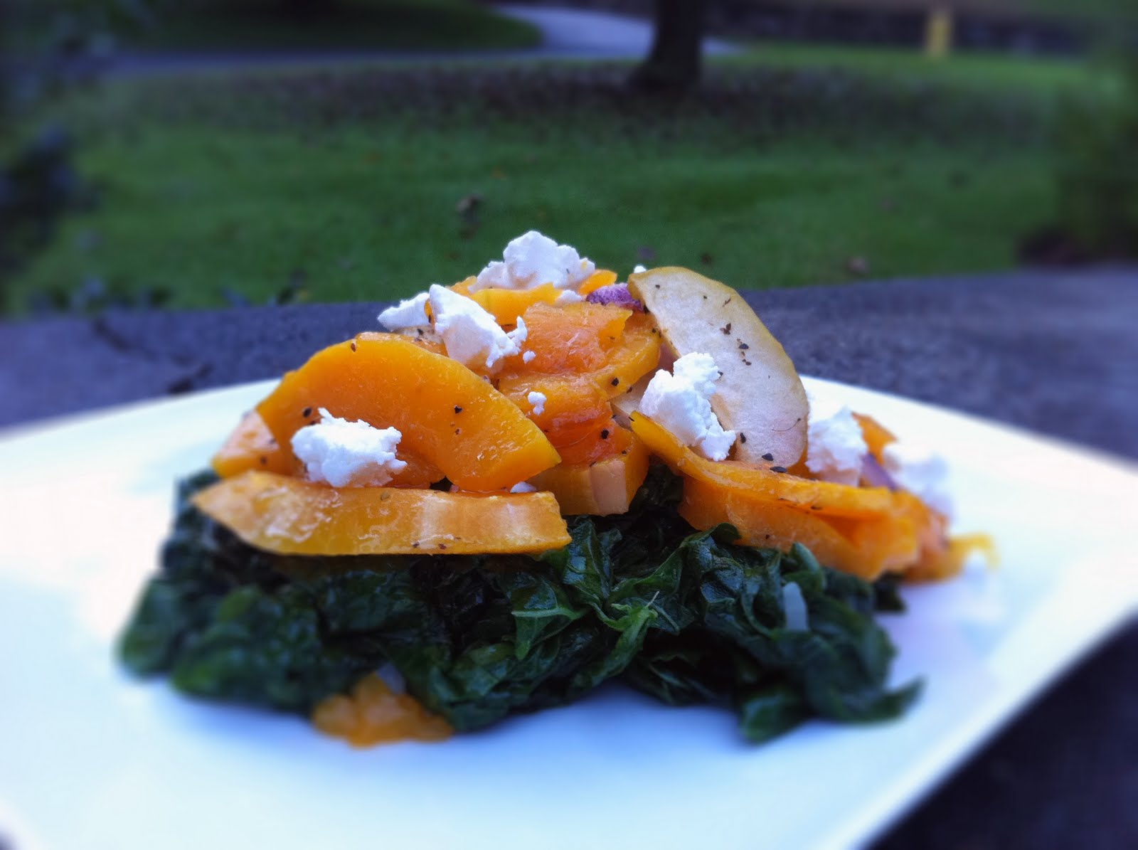 Roasted butternut squash with apple on kale