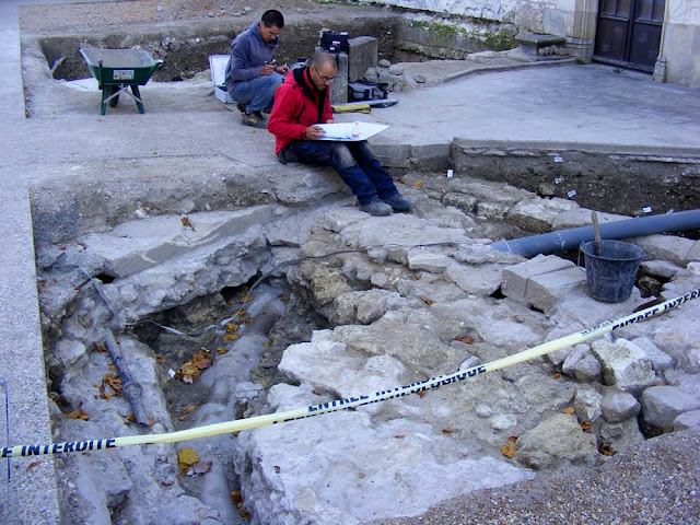 Archaeologists working on a dig in Loches. Indre et Loire. France. Photo by Loire Valley Time Travel.