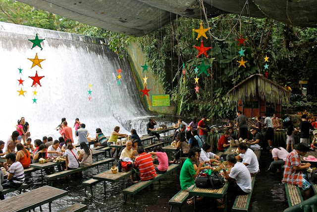 Waterfall restaurant in the Philippine provides tourists a special dining experience