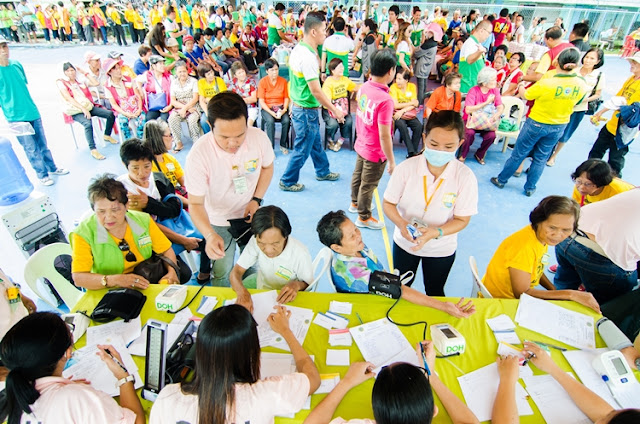 "PhilHealth Holds ""Walk for Life"""