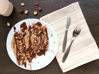 Lískooříškové palačinky s čokoládovou omáčkou