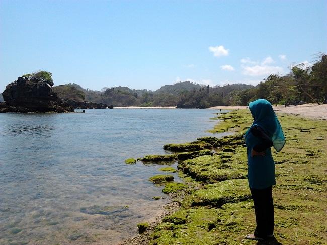 Air pantai yang jernih