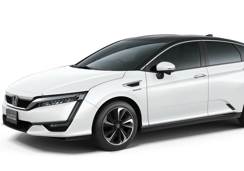 Tinuku Honda Motor running Clarity Fuel Cell taxi tests