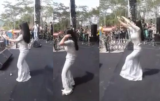Video Goyangan Hot Dewi Persik Saat Tampil Diatas Panggung Yang Hebohkan Netizen