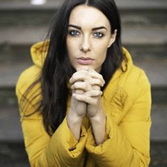 youtuber e apresentadora de TV britânica Emily Hartridge