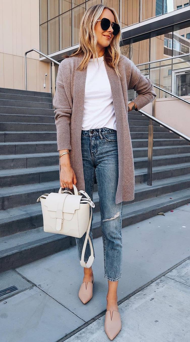 what to wear with a cardigan : handbag + rips + white t-shirt + nude flats
