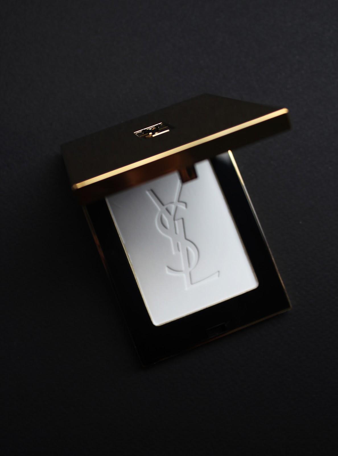 пудра-фиксатор Poudre Compacte Radiance Perfectrice Universelle YSL