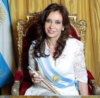 Foto de Cristina Fernández de Kirchner con la banda presidencial