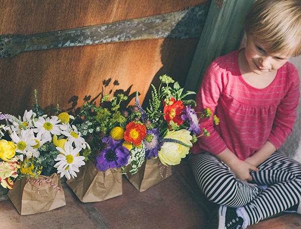 ExPress-o: Fresh Flower Paper Bag Bouquets