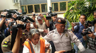 saksi dari kepolisian Putus Sukanaya dan mantan pembantu Margriet yaitu Nengah Ayu Purnami
