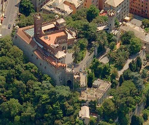 Guida di Genova mangiare dormire vedere Genova Castello d