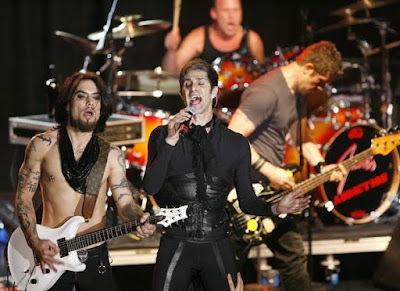 Foto de Jane's Addiction en el escenario