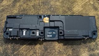 Mổ bụng Xiaomi Mi 4s: Vững chắc như Mi4, nữ dùng cũng khó hỏng!