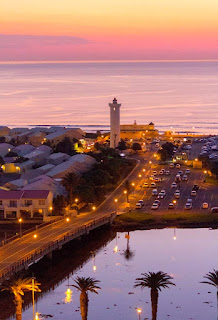 After sunset over Woodbridge Island, Cape Town