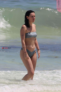 Rumer-Willis-In-Bikini-Seen-at-a-beach-in-Mexico--24+%7E+SexyCelebs.in+Exclusive.jpg