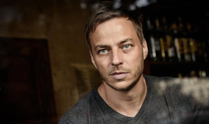 The Deep Mad Dark - Tom Wlaschiha to Co-Star in TNT Drama Pilot