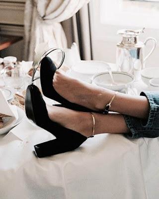 tacones negros vintage cerrados elegantes de moda