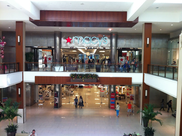 Interior do Aventura Mall, Miami Beach
