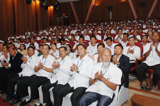 Achar et Acharini rencontrent Hun Sen