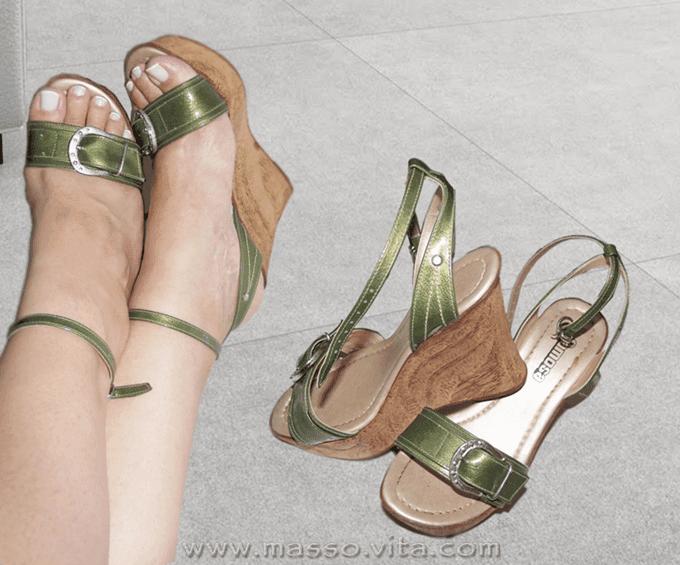 sandália-verde-salto-plataforma