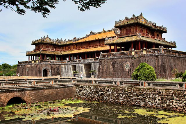 Da Nang to Hue by Car - Travel central Vietnam Hue-citadel-da-nang-hue