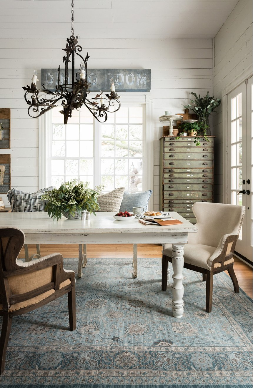 30 stunning rugs you 39 ll love from magnolia home for Joanna gaines home designs