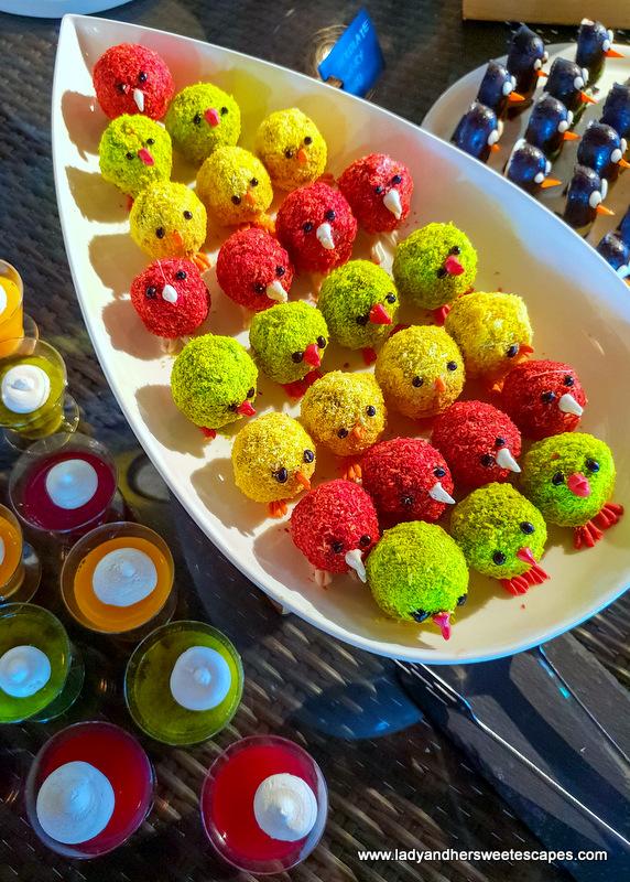 cute desserts in Fujairah Rotana Buffet